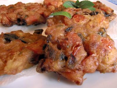 Beignets de tomates à la grecque : Tomatokeftes